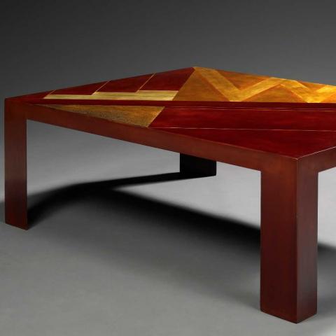 Table basse en laque de Chine cuir, vers 1926.